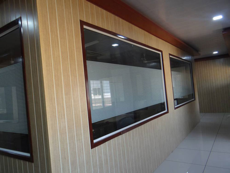 pvc glass partition